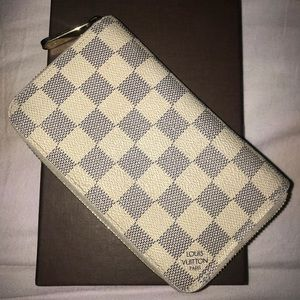 Louis Vuitton White checkered Zip around Wallet